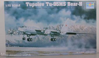 TrumpeterTupolev Tu 95MS Bear H1:72